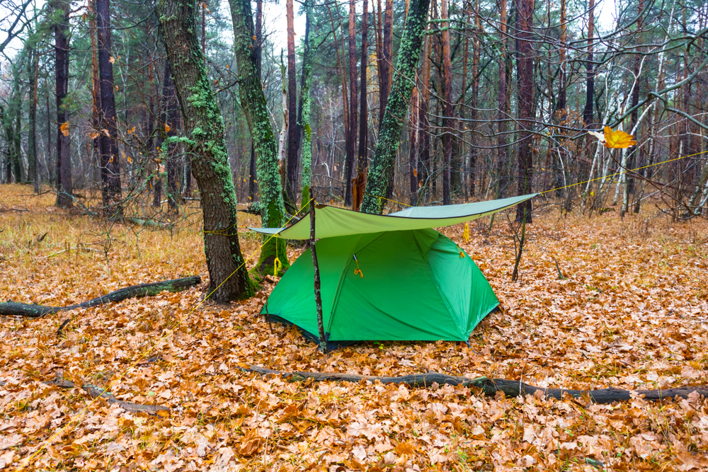 How to put a tarp over a tent