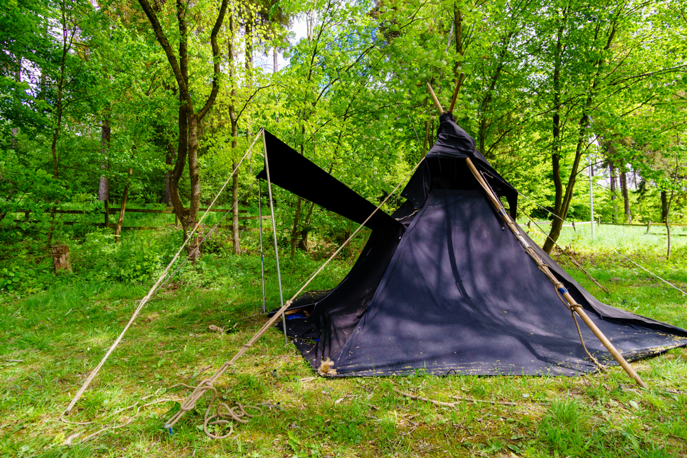 Can you blackout a tent